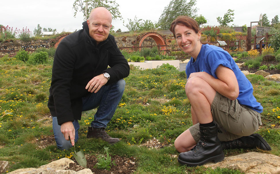 8. Jake Wood opening the garden_4789